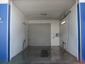 Doe-het-zelf Wasbox midden Lanters Autoverhuur BV